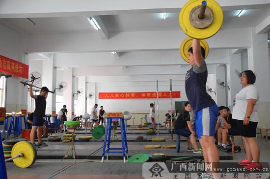 上思:小县城成举重冠军摇篮(图)
