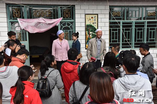 全国网媒走进杨岭村再访总书记到访之家