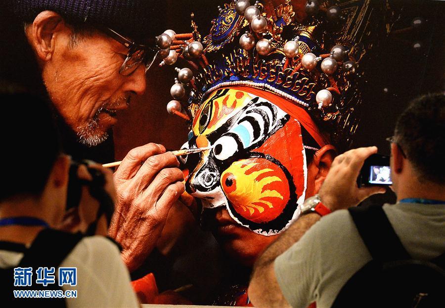(文化)(1)山东举办中国非遗艺术展