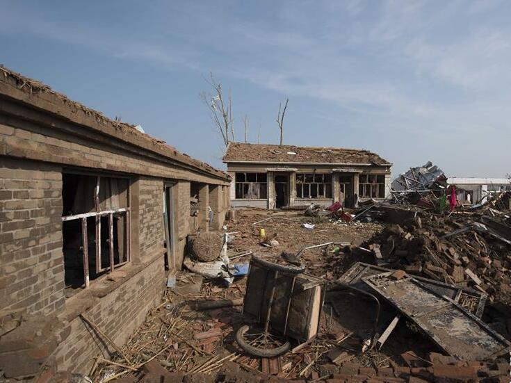 内蒙古赤峰境内遭龙卷风袭击 已致5人死亡50余人受伤