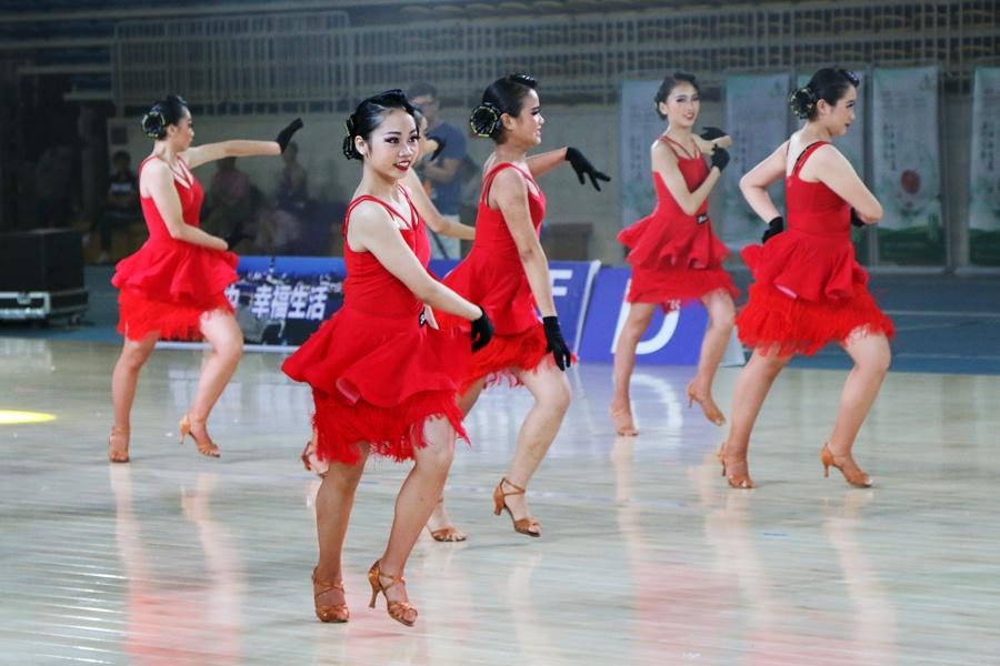2017年中国・柳州体育舞蹈全国公开赛开赛(组图)