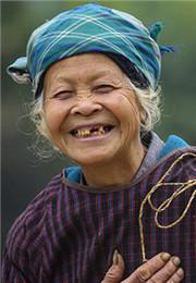 开心的农妇