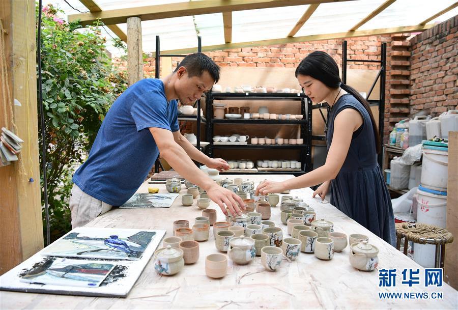(图片故事)(2)80后夫妻的陶艺青春