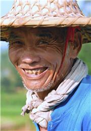 老区人的微笑