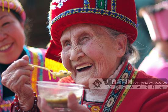 油茶飘香幸福年