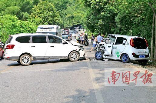 """桂林共享汽车""""第一撞"""" 撞出一串安全驾驶话题(图)"""