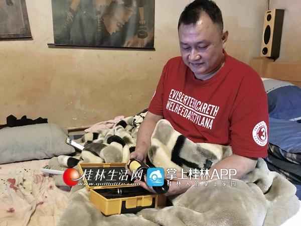 高位截瘫的桂林男子用航模放飞人生希望(图)