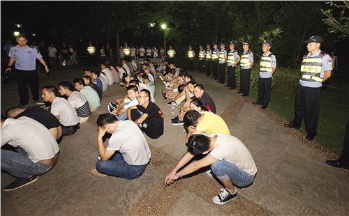 广西新闻网 首页栏目 区域 南宁 > 正文  60多名涉传销人员正在聚精会