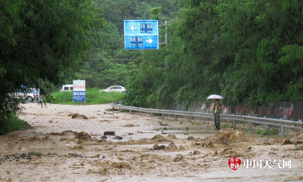 短时强降雨袭击 百色旧州镇受灾严重(组图)