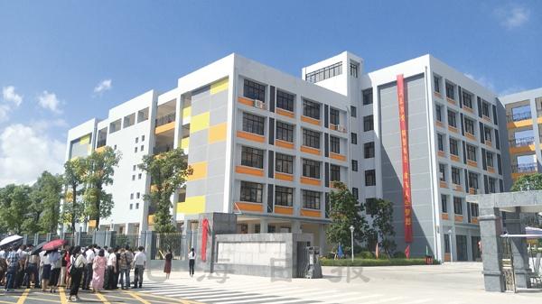 北海艺术设计学院附属学校挂牌成立-广西新闻网