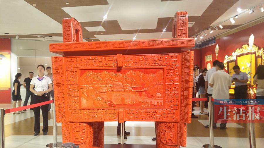 南宁市博物馆举办宫廷艺术精品展 领略老北京味儿