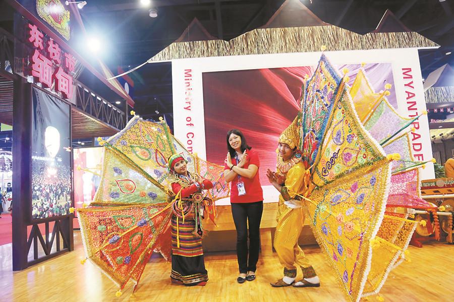 高清:泰国馆人气旺 国际展区还有新奇商品