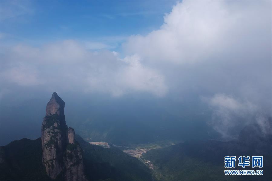 (美丽中国)(3)浙江神仙居:云雾缭绕 宛若仙境