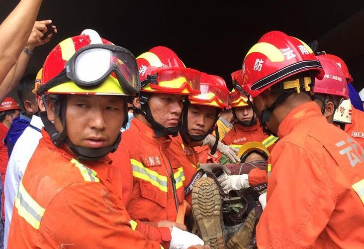云南西双版纳隧道9名施工人员被困50小时后获救
