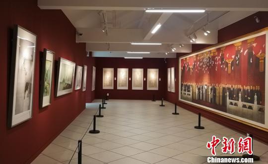 凤凰艺术年展展厅展出19位中外艺术家的200余件作品。 主办方供图