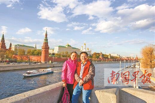 退休教授携妻70天自驾游28国 行程5万多公里(图)