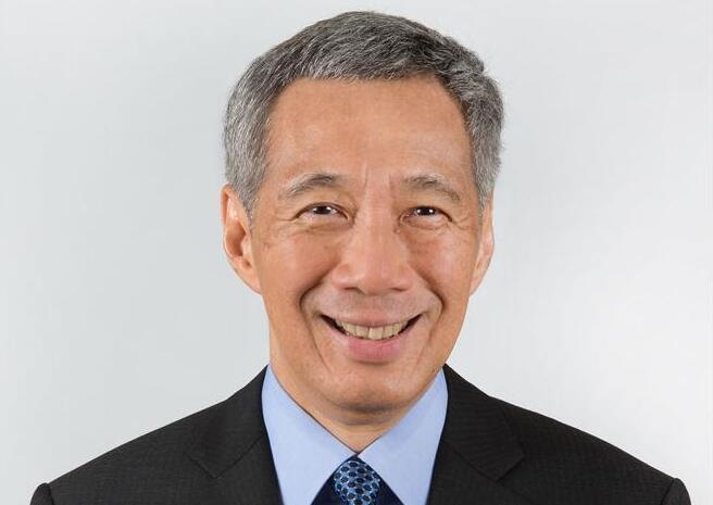 新加坡总理像