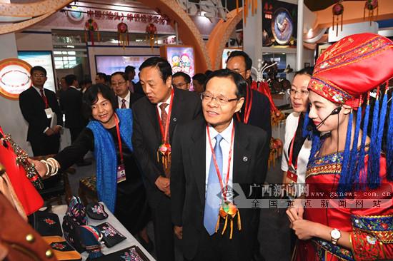 陈武率团出席第二届敦煌文博会