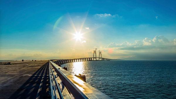粤港澳大湾区闪耀世界 三大重点项目高效推进
