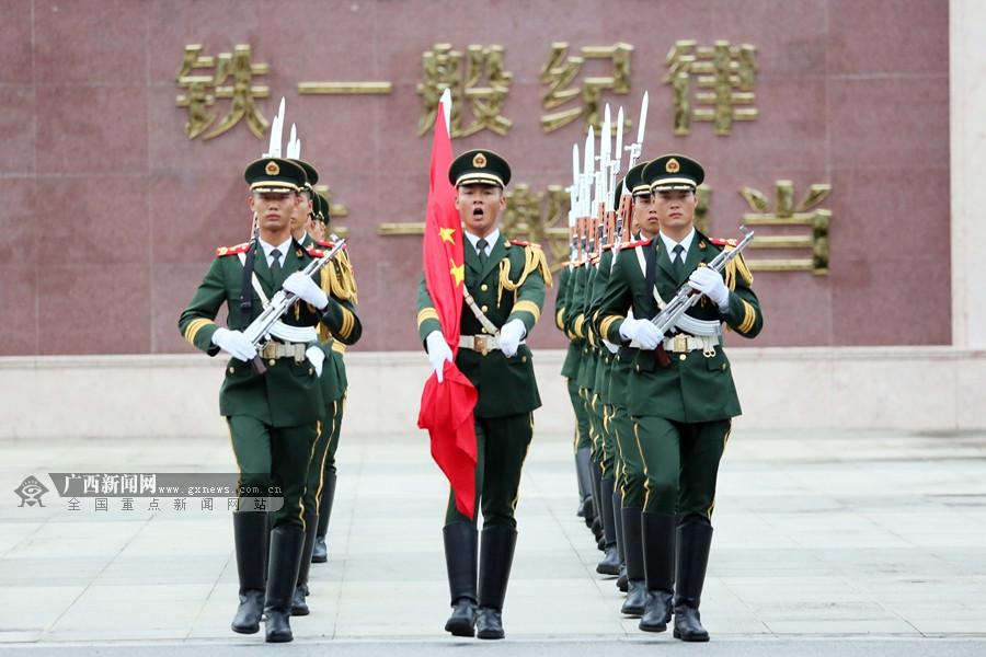 高清组图:欢度国庆 广西多地举行升国旗仪式