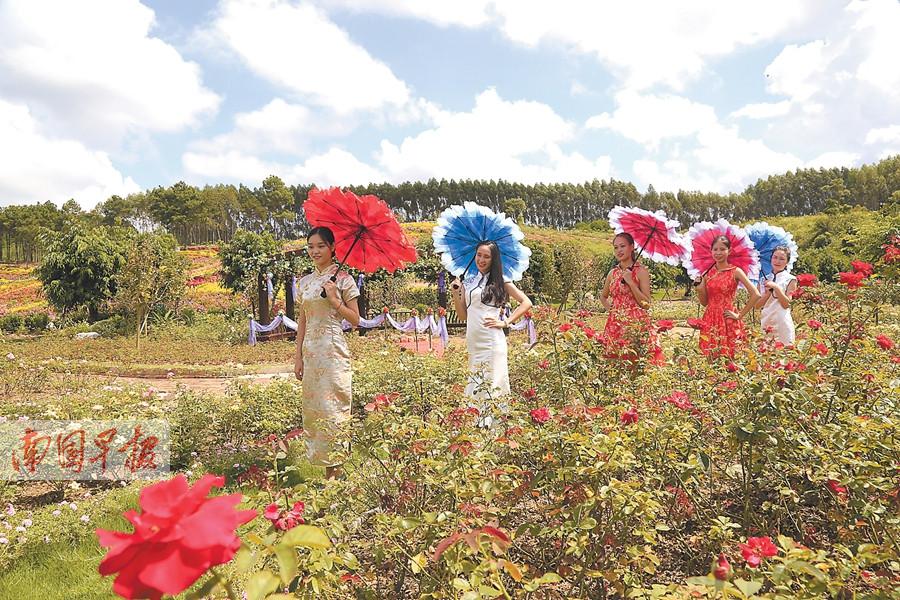10月2日焦点图:长假首日 看游客玩转广西