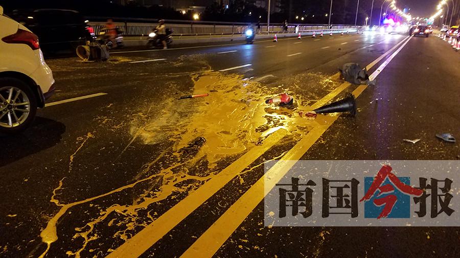 施工人员凌晨施画道路中心线 被过路轿车撞飞(图)