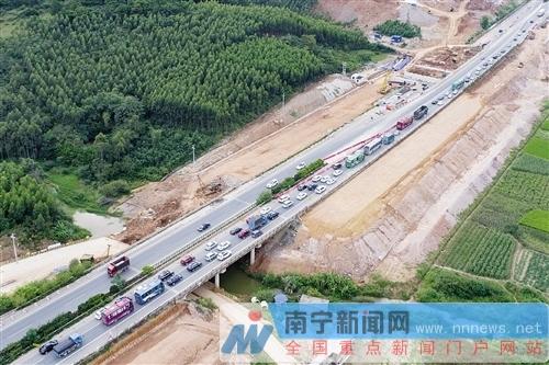 广西高速公路通车里程将突破7000公里  县县通高速沿线景更美