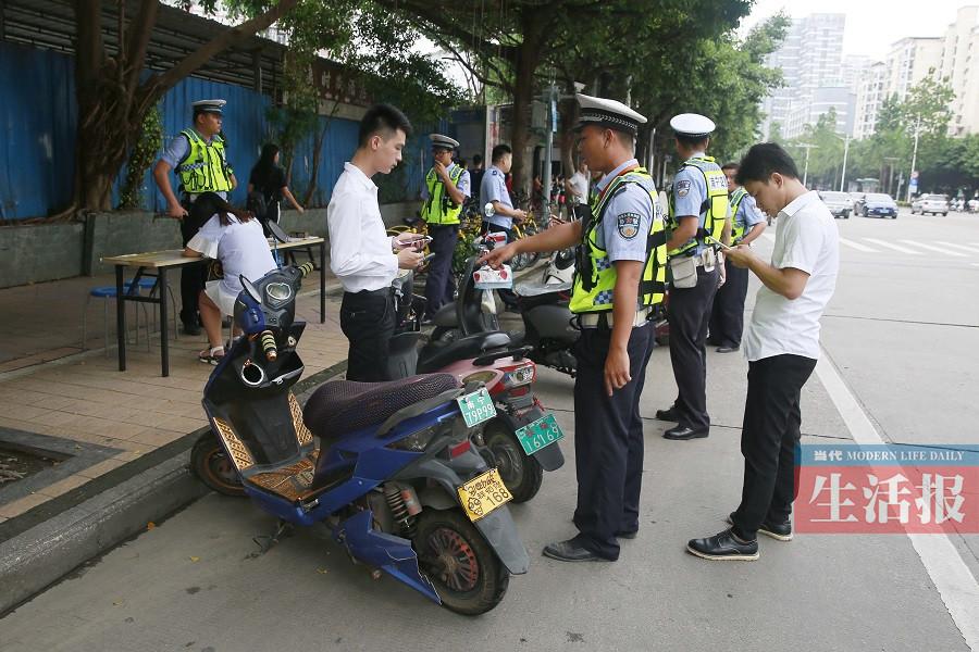 南宁基层老交警:首府交通正在发生可喜变化