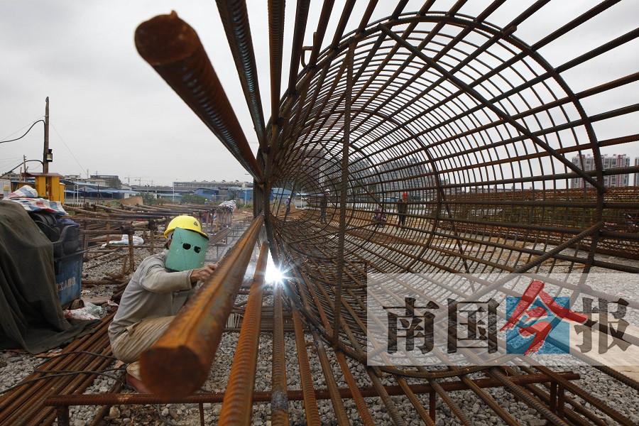 柳州南环立交火热开建 建成将缓解柳江区交通压力