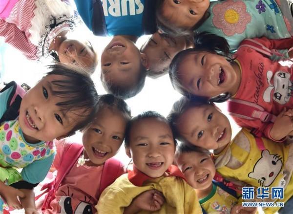 广西实现建档立卡贫困户子女就学15年免费教育