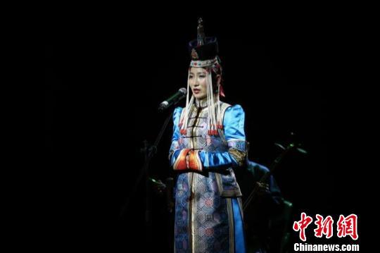 蒙古国学子访琼交流献艺 特色乐器和歌舞展现蒙古风情