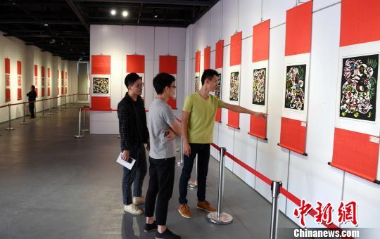 中华民俗节日剪纸艺术作品展亮相福州