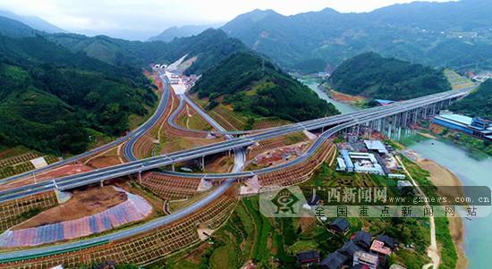 桂三高速通车 三江北-桂林北小车过路费105元(图)