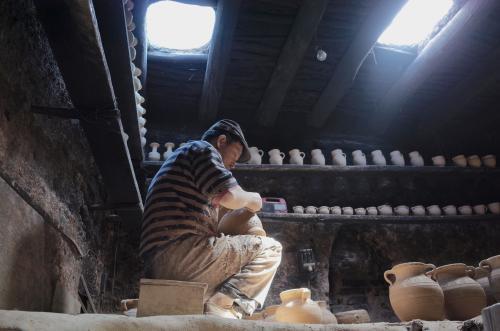 一部另类纪录片走红的背后:传统手艺靠什么吸引青年