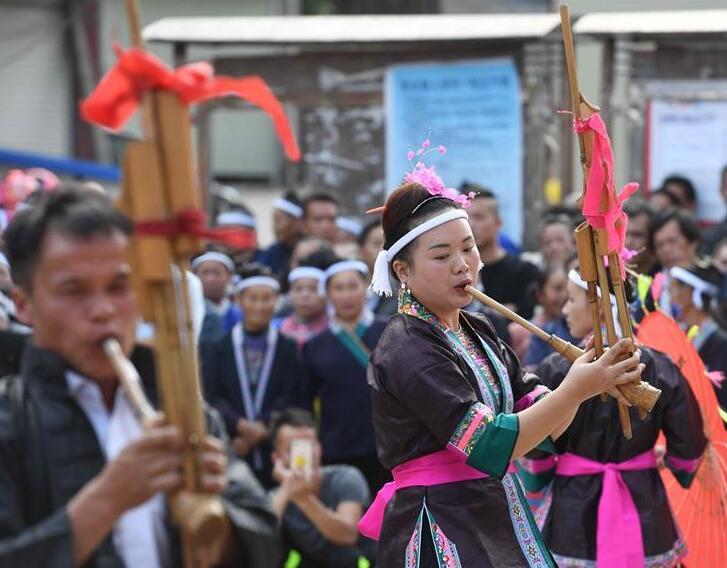 金秋里的侗寨坡会