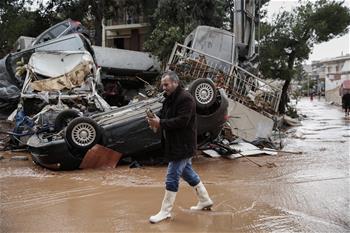 希腊暴雨造成至少15人死亡