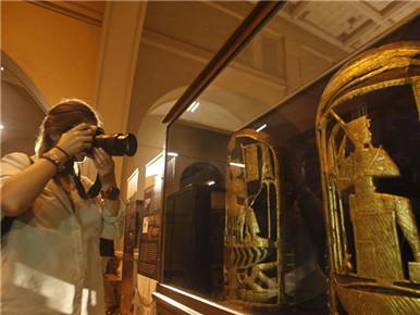 沉睡近百年的图坦卡蒙金饰首次公开亮相