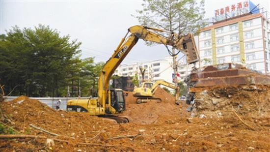 大化大力推进城区两岸景观县庆项目建设