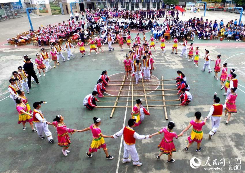 广西三江:民族体育进校园