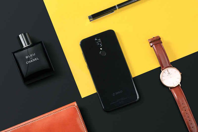 全面屏双玻璃设计360手机N6 Pro发布售1699元起