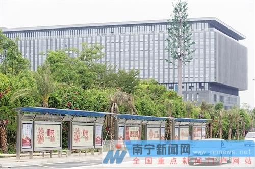 南宁改造30个公交站 12月验收并投入使用