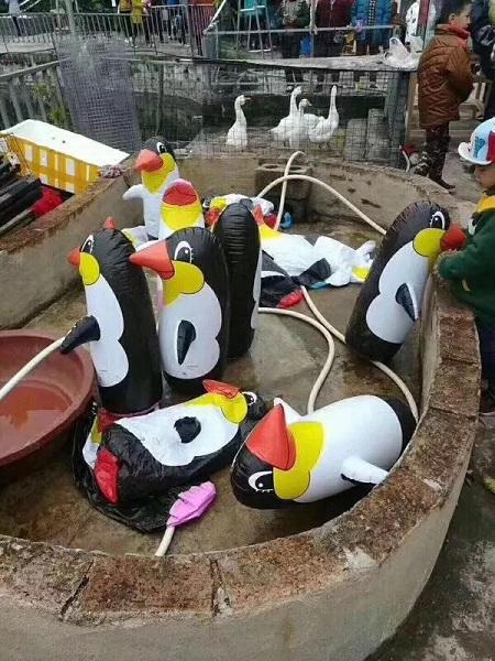企鹅用气充,动物园展假动物缘何层出不穷?