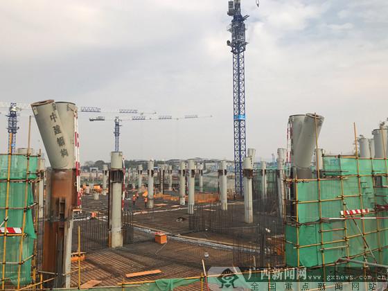 """柳东新区文化广场项目钢结构""""冲出""""正负零"""