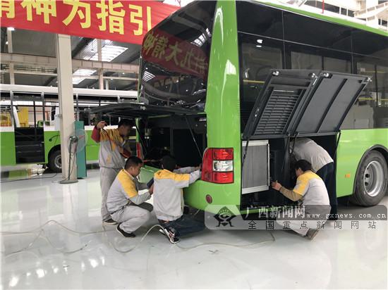 全国网媒看覃塘工业:新能源汽车产业领航谋发展
