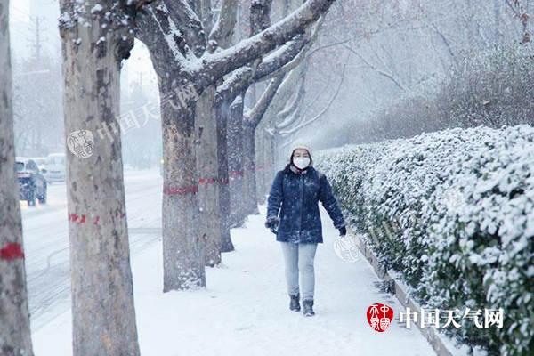 降雪转移东北 兰州上海等将迎今冬最冷白天