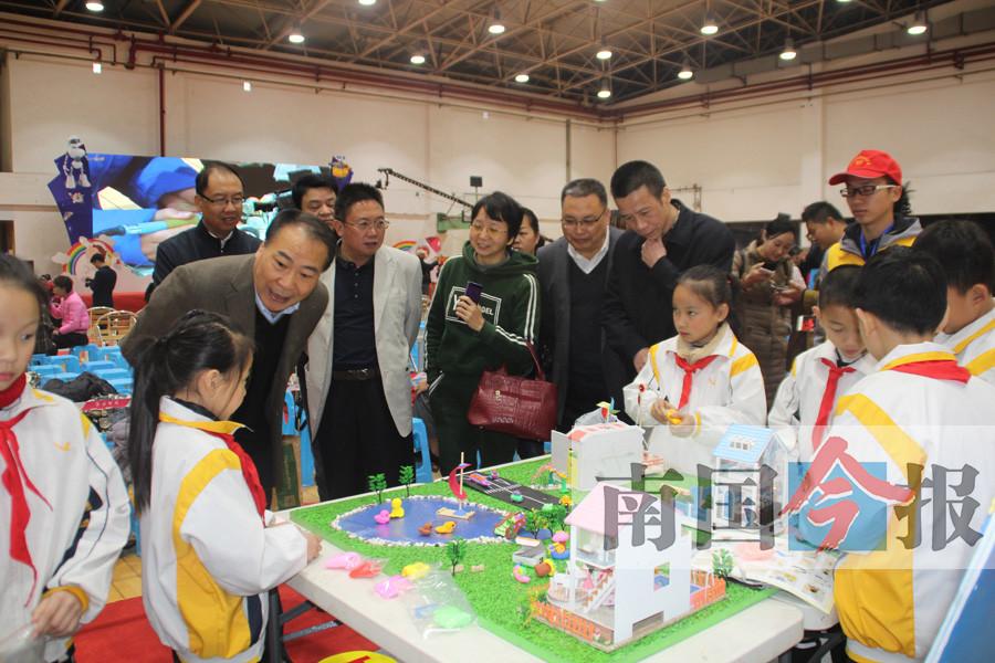 柳州市首届青少年动手能力电视大赛总决赛在篮球训练基地举行