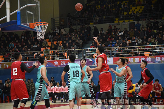 """第13届""""拔群杯""""篮球赛东道主夺冠 明年移师大化"""