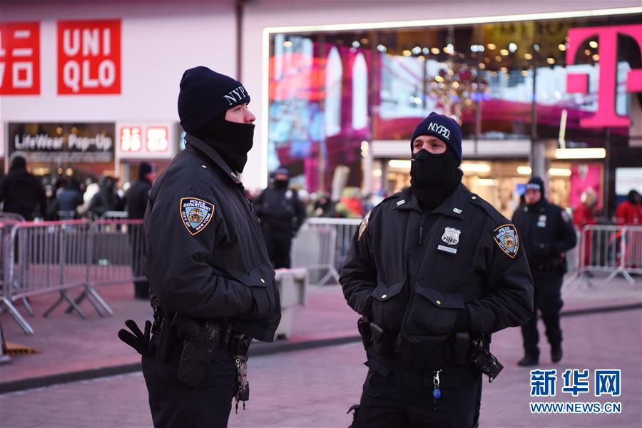 (国际)(4)纽约时报广场加强安保迎新年