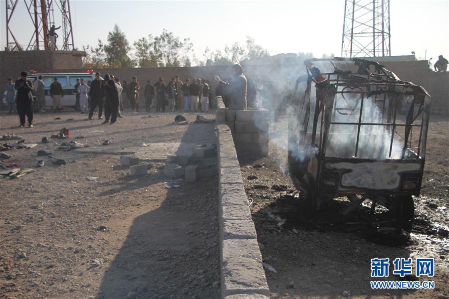 (国际)(1)阿富汗东部自杀式袭击导致28人死伤