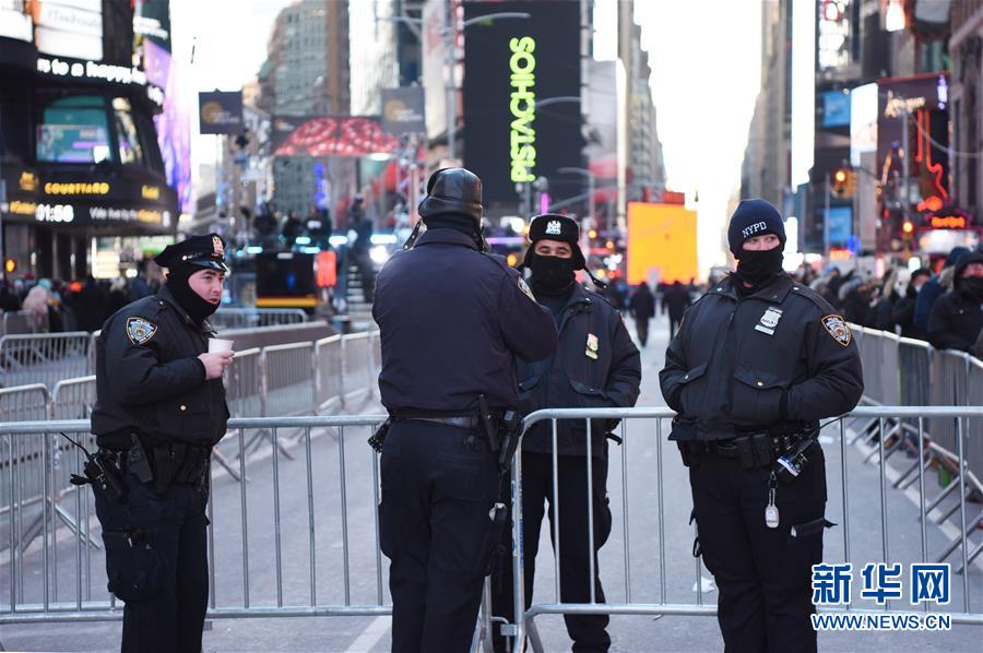 (国际)(3)纽约时报广场加强安保迎新年
